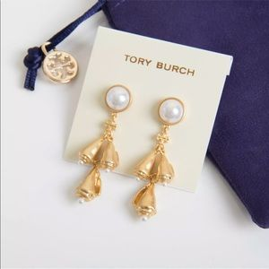 New Tory Burch poetry of pearl gold drop earring